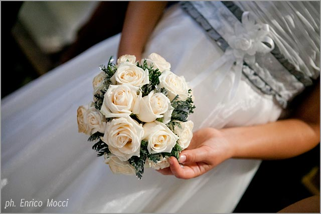 flower girls bouquet in Pallanza lake Maggiore