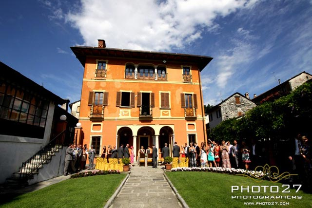 outdoor ceremony at Villa Bossi