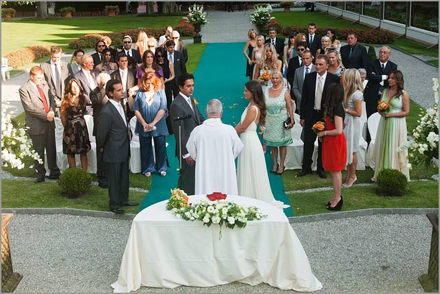 religious ceremony in villa d'este lake Como