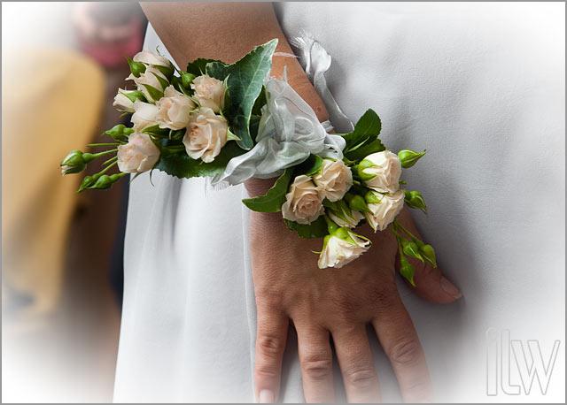 bracelet bouquet, Lake Orta florist