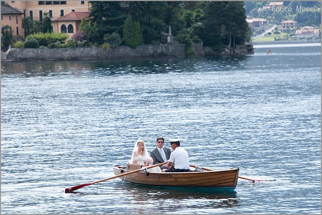 bride arrival with boat on lake Orta