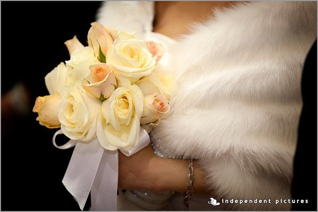 cream and light peach bridal bouquet