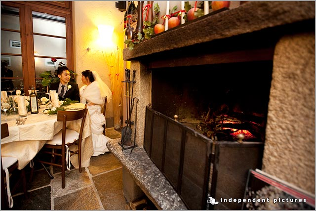 restaurant with fireplace for winter wedding in Italy