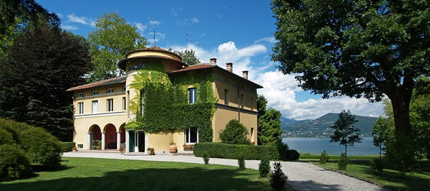 VILLA ROCCHETTA – just on the shores, few minutes from Milan