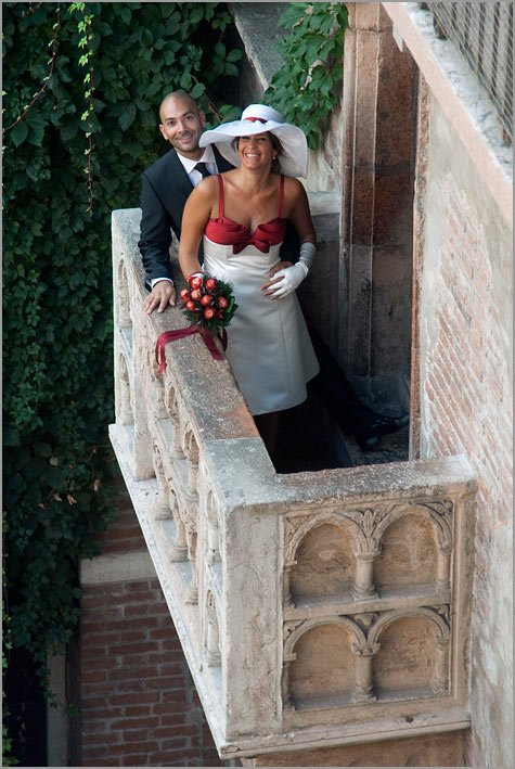 balcony of Juliet weddings in Verona