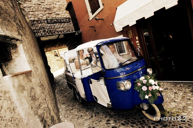 tuk tuk weddings in Malcesine lake Garda