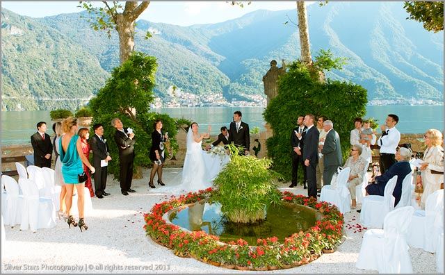 outdoor wedding ceremony at Villa Balbianello lake Como