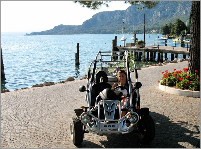buggy wedding car hire on Lake Garda