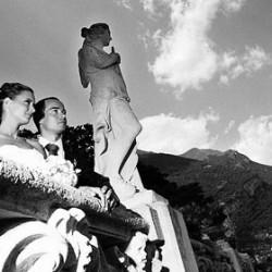 """Heiraten am Comer See mit traditioneller Vorfahrt des Brautpaares in der handgeruderten """"Lucia&..."""