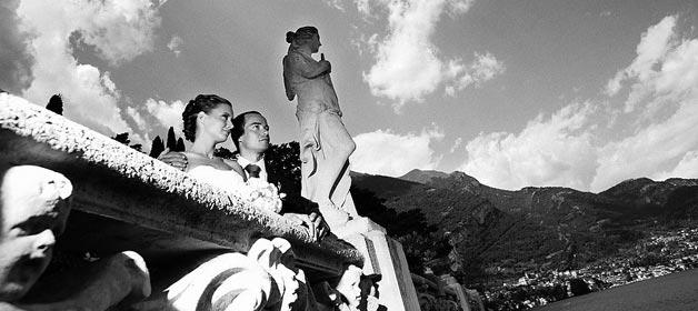 """Heiraten am Comer See mit traditioneller Vorfahrt des Brautpaares in der handgeruderten """"Lucia"""""""