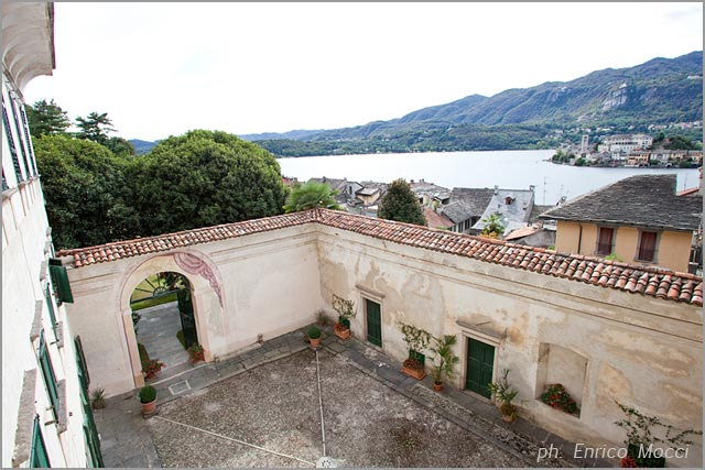 outdoor reception in the Italian Garden overlooking Orta