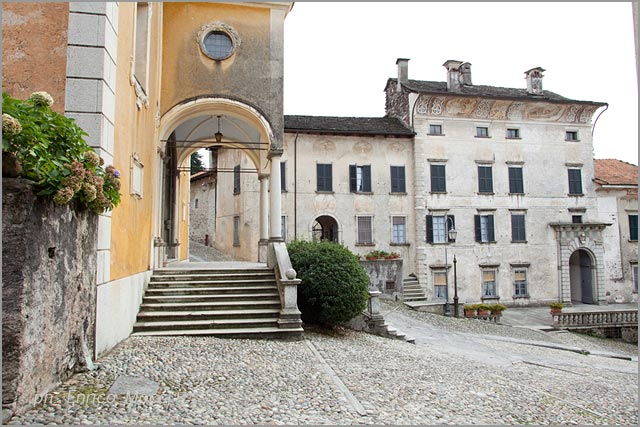 weddings at Assunta church and Palazzo Gemelli