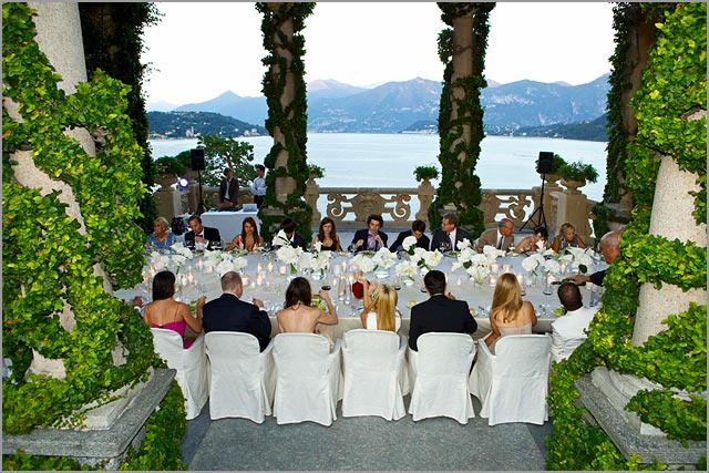 outdoor wedding reception in Villa Balbianello