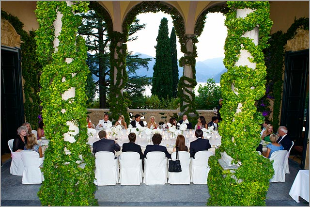 wedding dinner under the Loggia of Villa Balbianello
