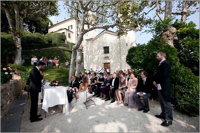 outdoor ceremony in Villa del Balbianello lake Como
