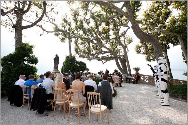 outdoor wedding ceremony in Villa del Balbianello