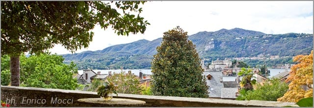 Palazzo Gemelli wedding reception in the garden overlooking Lake Orta