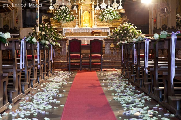 01_florist-Assunta-church-wedding-in-Orta
