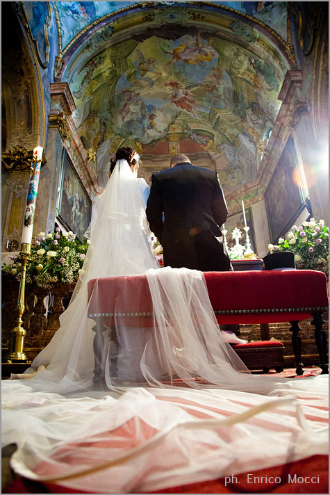 03_florist-Assunta-church-wedding-in-Orta