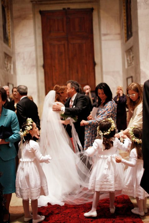 flower girls wedding ceremony in Italy