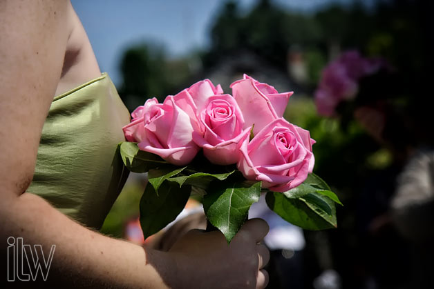 pink roses bridesmaid bouquet