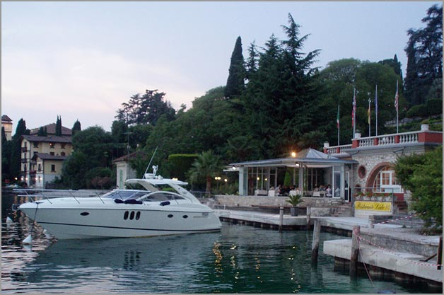 wedding-boat-hire-in-Gardone-Riviera