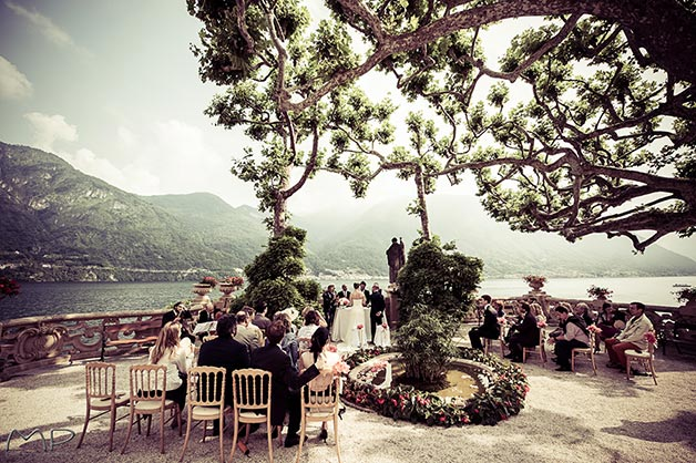 lake shores wedding ceremony at Villa Balbianello