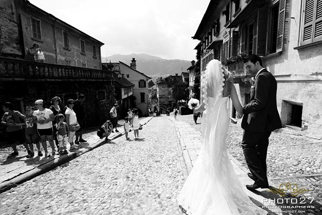 wedding walk in Orta