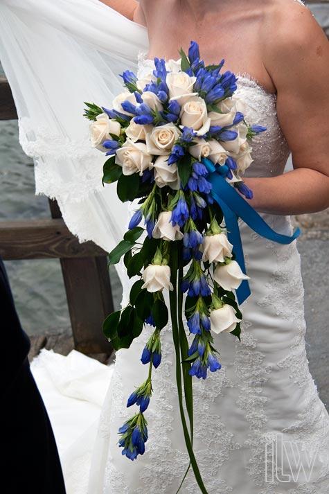 blue-gentiana-bouquet