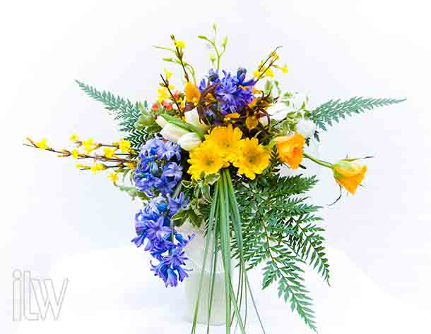 blue-hyacinths-bridal-bouquet