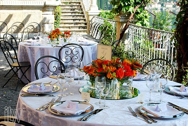 orange-wedding-centerpieces-in-Varenna