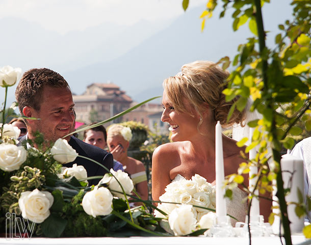 outdoor-wedding-ceremony-on-Lake-Maggiore