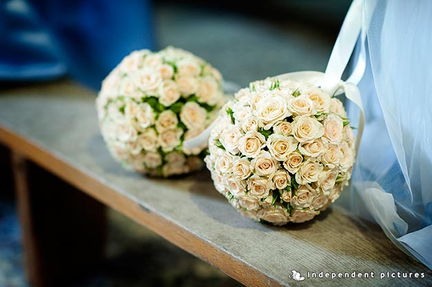 ball-shaped-bouquet-in-Italy