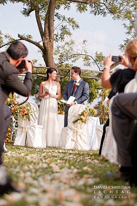 outdoor-wedding-ceremony-on-lake-Maggiore