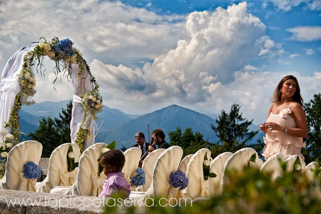 wedding-flower-arch-on-Lake-Orta-Italy