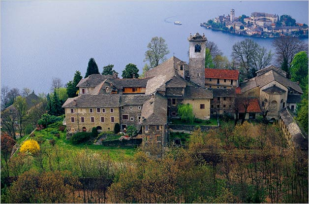 Sacro Monte church: wedding on top of a wonderful hill overlooking Orta