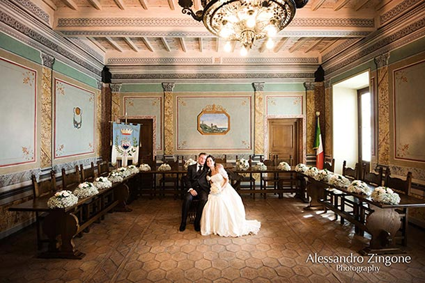 civil-wedding-ceremony-in-Trevignano-Town-Hall