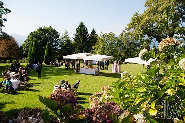 outdoor-wedding-reception-at-Villa-Pestalozza-lake-Orta