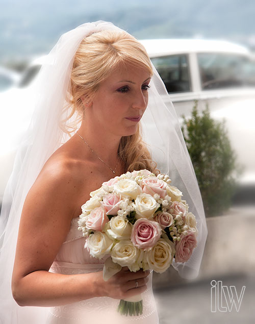 pink-and-ivory-bouquet-by-La-Piccola-Selva-floral-design