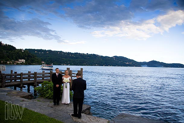 symbolic-wedding-ceremony-on-St-Julius-Island