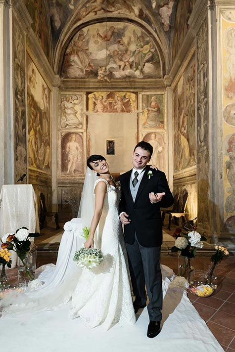 wedding-ceremony-at-Chiesetta-del-Riposo-lake-Bracciano