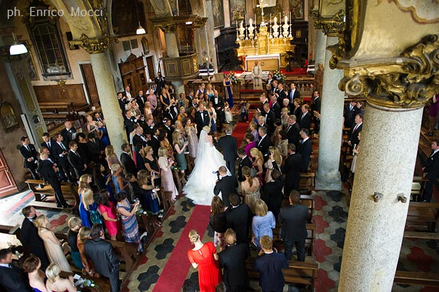 wedding-ceremony-to-Assunta-Church-in-Orta