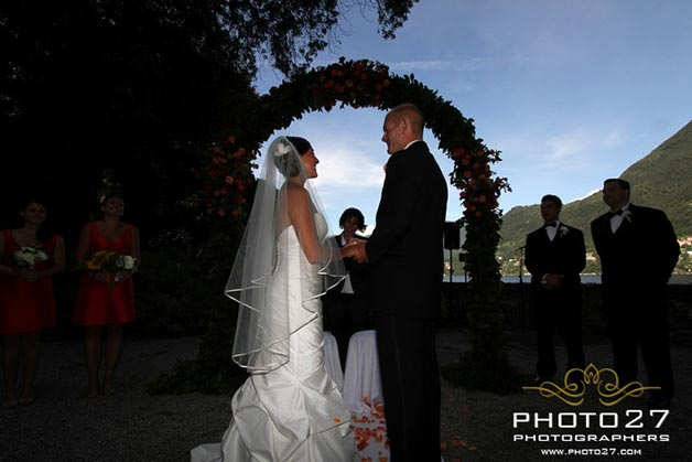 symbolic-wedding-at-Villa-Cipressi