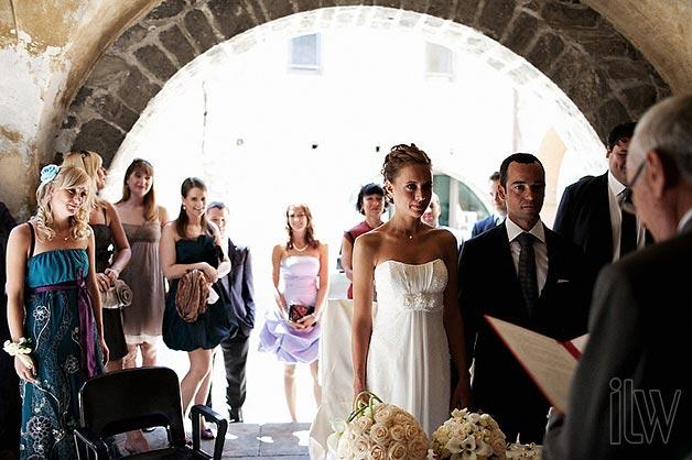 wedding-ceremony-in-Ossuccio-Town-Hall PHOTO BY JULIAN KANZ