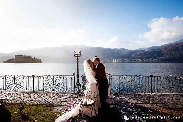 07_autumn-wedding-on-lake-Orta