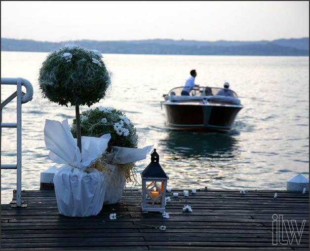 wedding boat tour in Sirmione