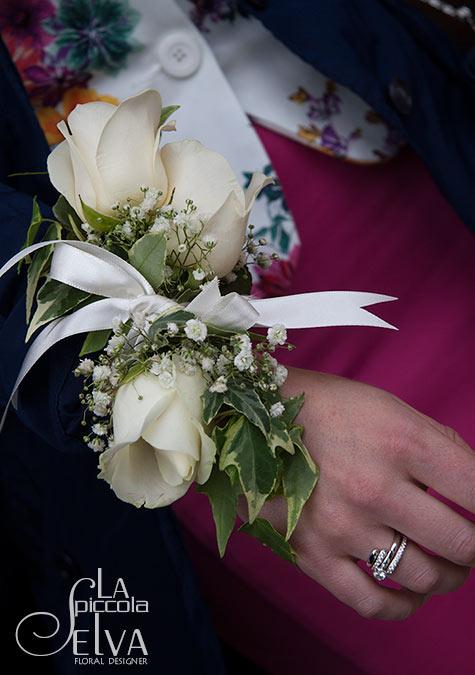 bridesmaid-bracelet-corsage