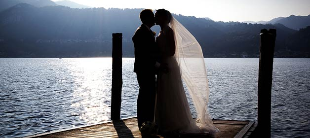 romantic-wedding-ovelooking-lake-orta