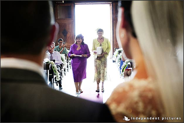 romantic_wedding_overlooking_lake_Orta