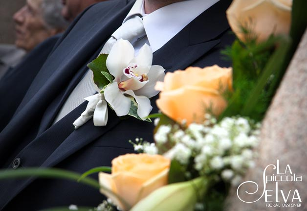 white-orchid-boutonniere
